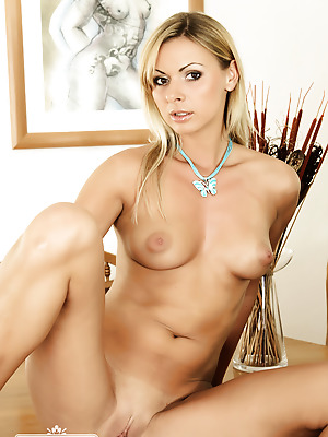 MC-Nudes  Ellena  Babes, Blondes, Boobs, Solo, Breasts, Tits, Extrem, Erotic, Softcore, Pussy